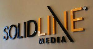 Papan Nama Huruf Timbul Solid Line Media